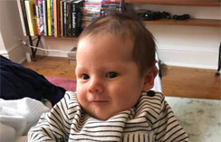 快来看看我们的小F——一个通过PGD技术加入CRGH大家庭的六周宝宝!